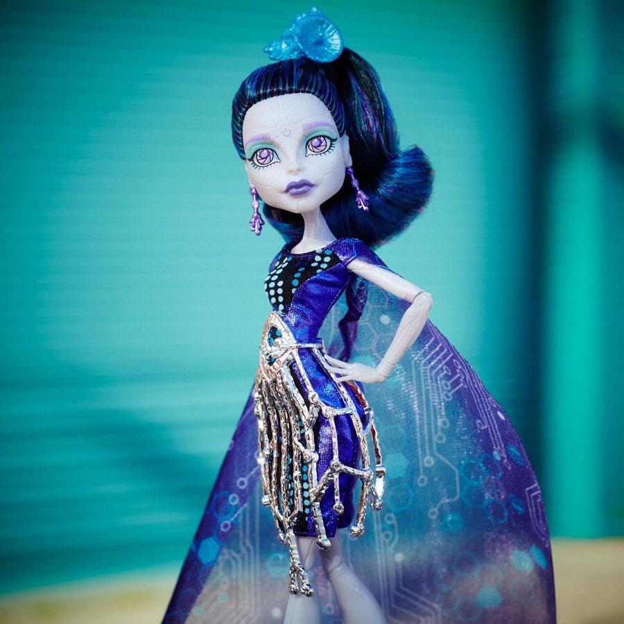Картинки по запросу Кукла Monster High Бу Йорк, Бу Йорк Элль Иди, 26 см, CHW63